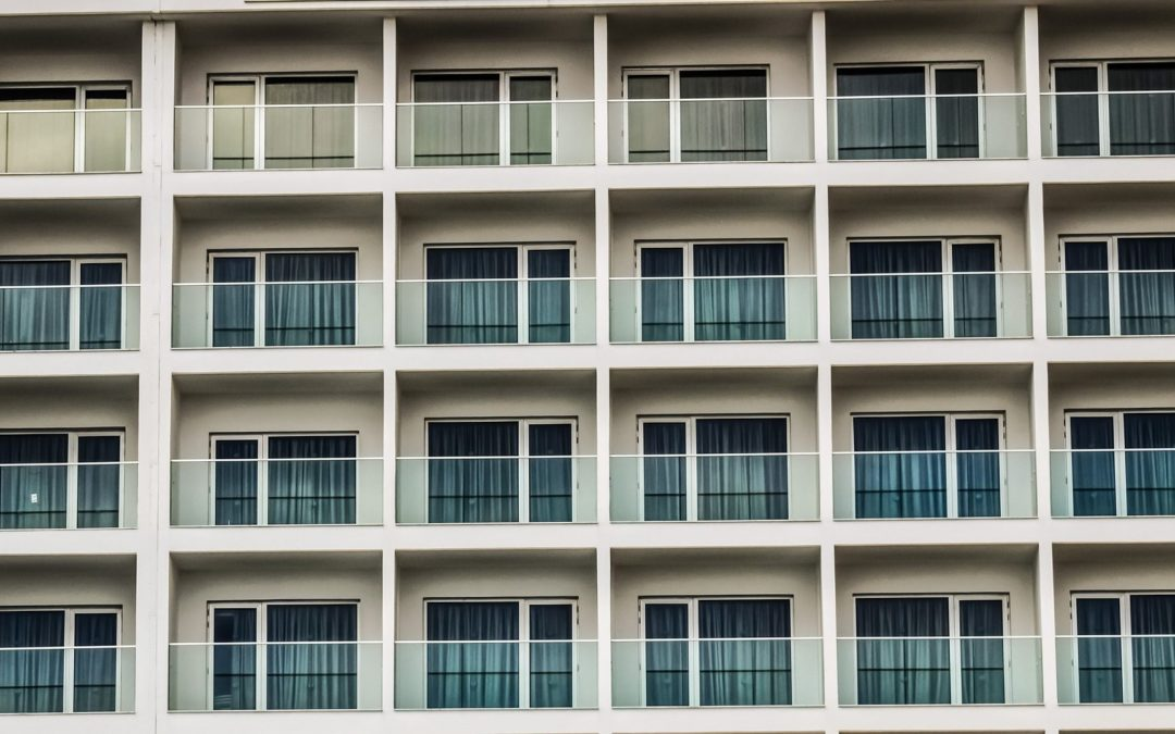 Folie mleczne na szyby balkonowe Warszawa